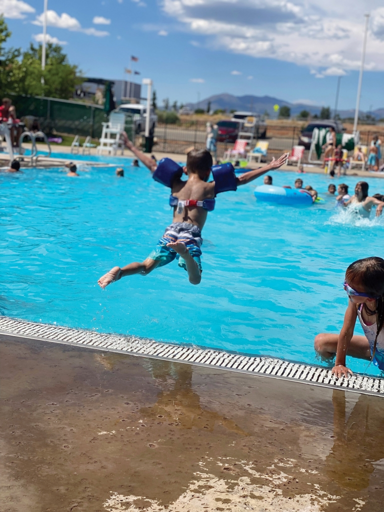 A young swimmer dives into summer. Lea Ann Nielson photo